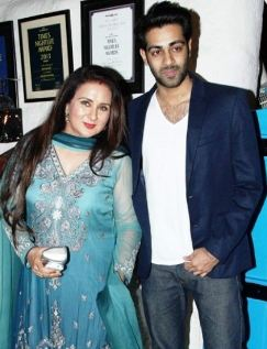 Poonam Dhillon  Family Husband Son Daughter Father Mother Marriage Photos Biography Profile.