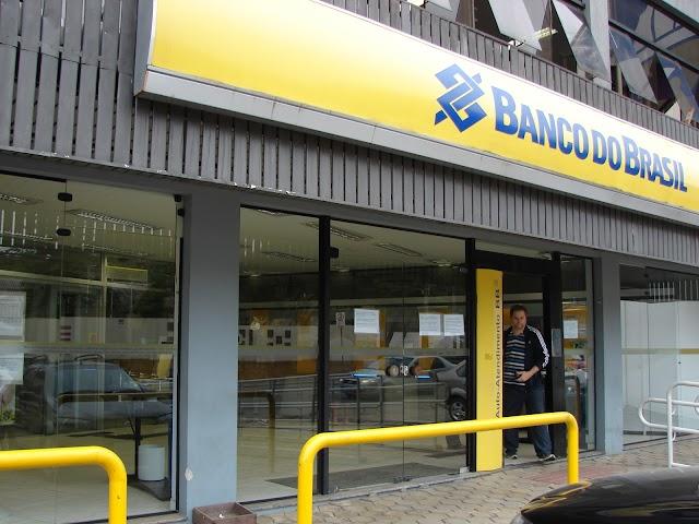 Fim de ano: bancos estarão fechados ao público no dia 29