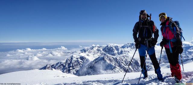 Vista en la cima del Toubkal, techo de la Cordillera del Atlas