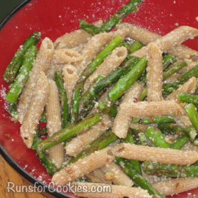 Penne with asparagus, garlic, and cheese
