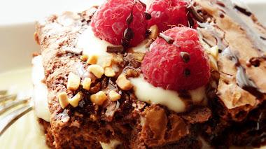 Brownie de Chocolate con natillas y frambuesa