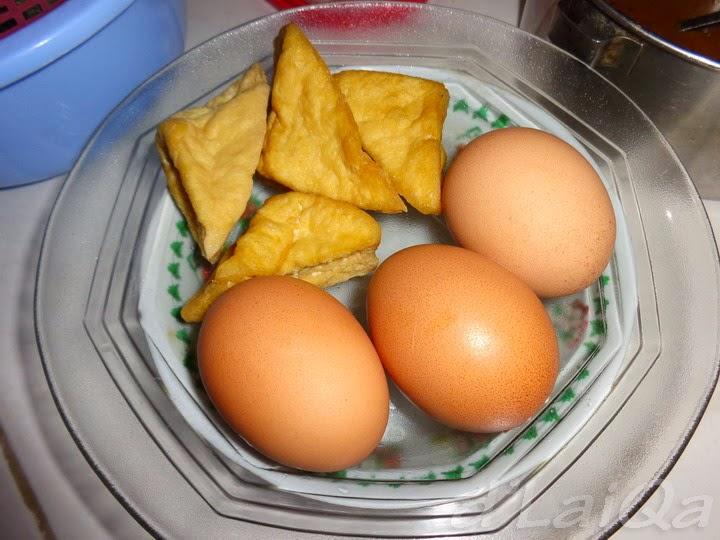 tahu goreng dan telur rebus