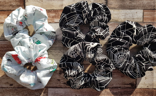Making themed scrunchies for the holidays
