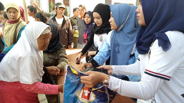 PT Waskita Bagikan 1000 Paket Sembako