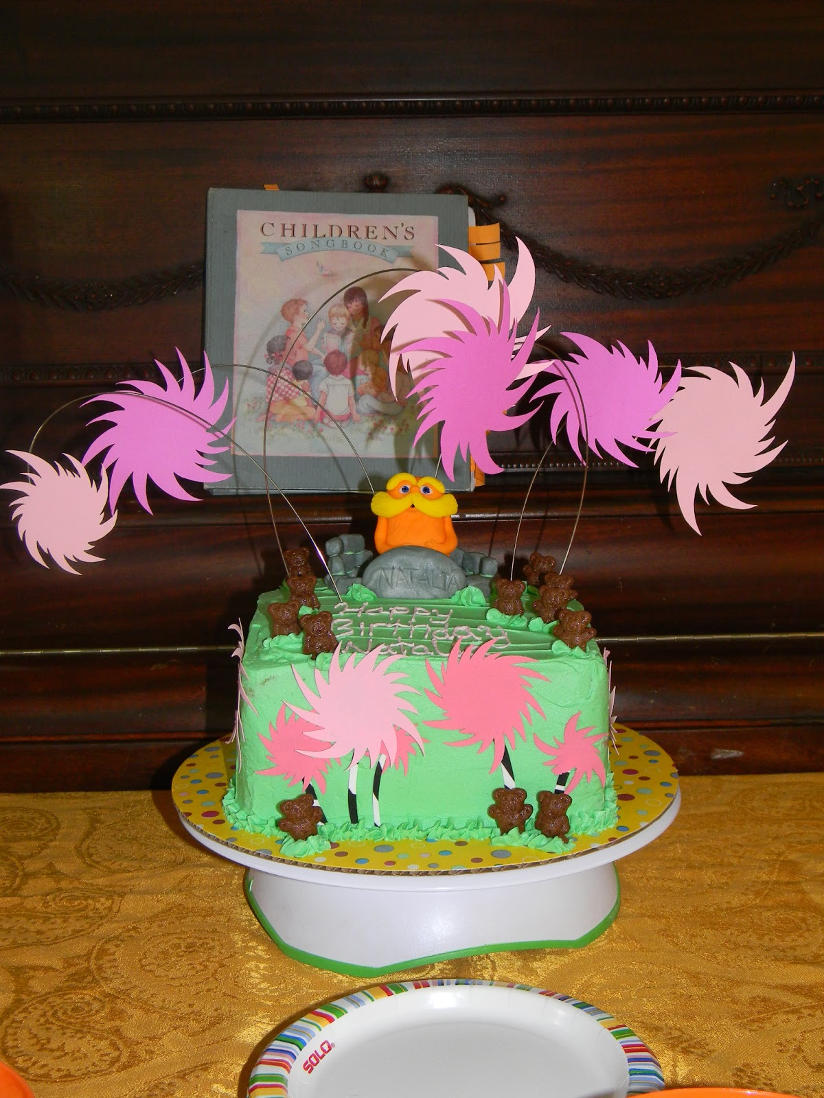 Lorax Cake Elise S Sweet Creations