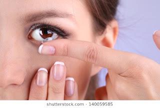 Cara menggunakan lensa kontak atau shuflent yang baik dan benar Cara Memakai Lensa Kontak