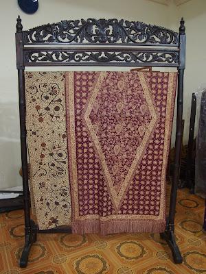 songket koleksi museum zainal songket palembang