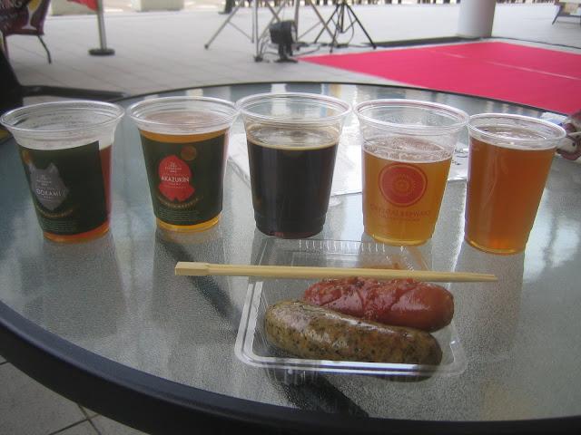 5種類のビールと2種のソーセージ