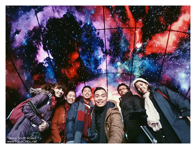 A group picture inside the mall with Digital ceiling