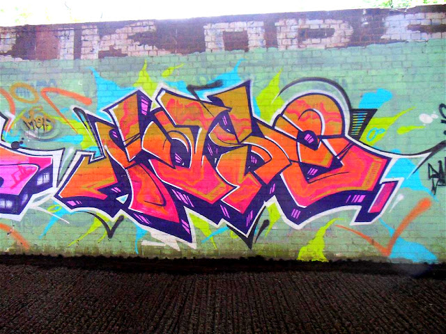PASE 3D Orange Graffiti