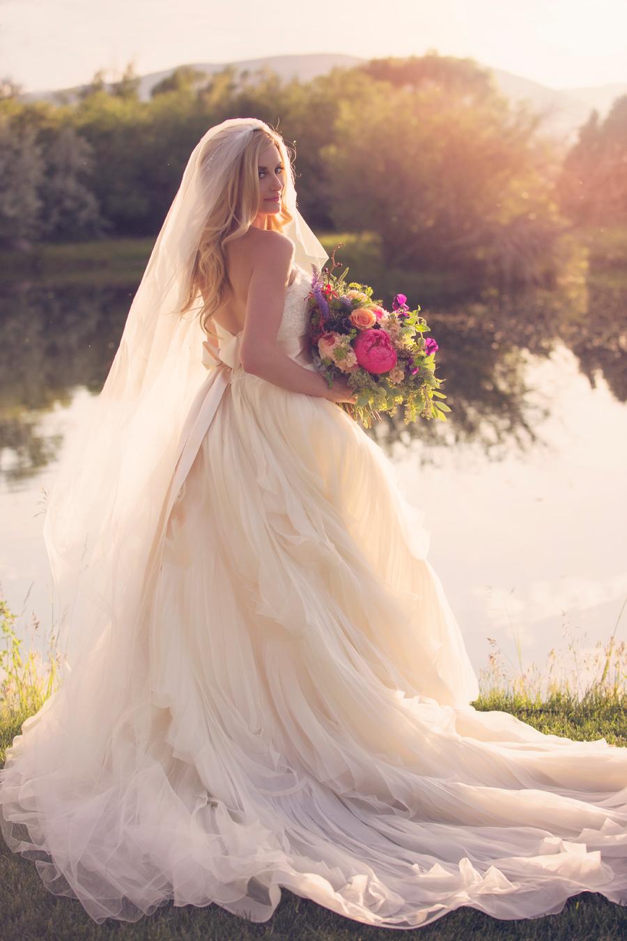 Stephanie Quayle Wedding / Photographer: Arnica Spring Photography / Wedding Design, Planning, & Wedding Flowers: Katalin Green