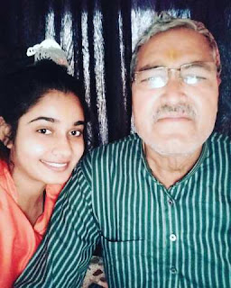 Bhojpuri Actress Ritu Singh With Her Father - Photo, Images