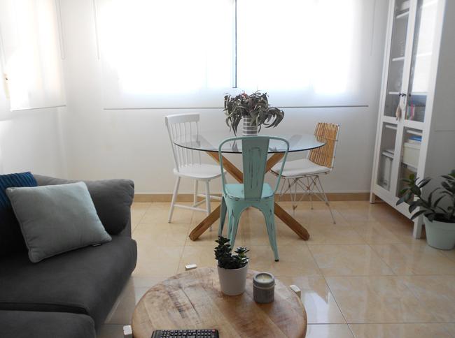 Mi salón - comedor en blanco, gris y mint