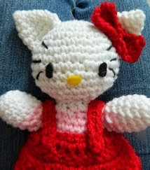 http://kraftykreeper.blogspot.ca/2013/02/hello-kitty-amigurumi.html