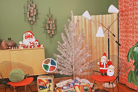 Architecture Products Image: Vintage Aluminum Xmas Tree