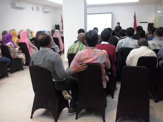 """Seminar Komunikasi """"Lidahmu Rezekimu"""" 17 september 2016 di Hotel Amaris Jakarta"""