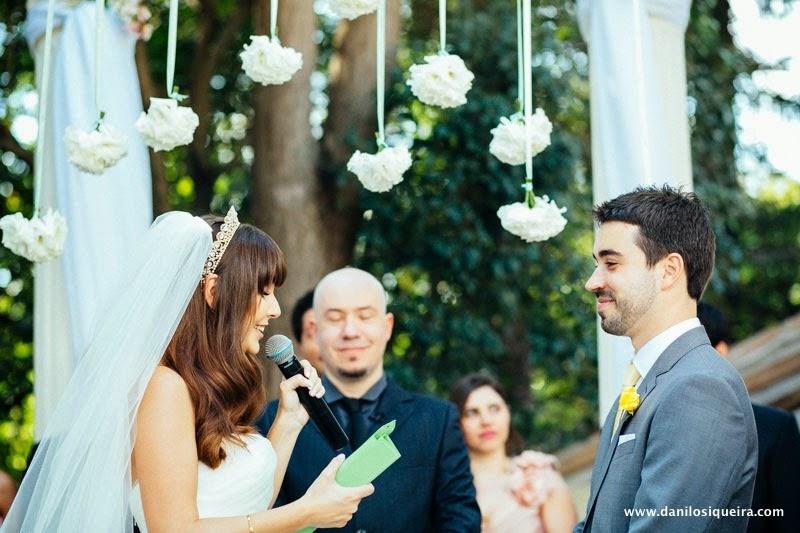 cerimonia - altar - noivos - votos - decoracao - casamento de dia - casamento ao ar livre