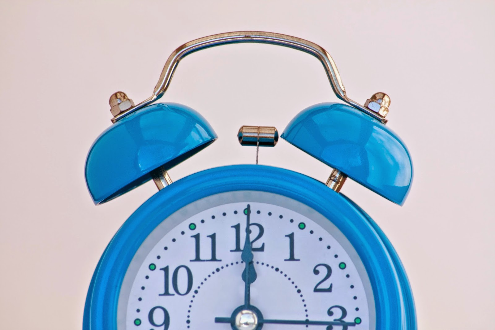 "Who Do I Speak To About Opting Out of Daylight Savings Time? -- from the kids jumping on the beds yelling ""We're not tired yet!"" to dragging them out of their exhaustion-induced comas for school on Monday morning, Daylight Savings Time is pretty much the worst.  {posted @ Unremarkable Files}"
