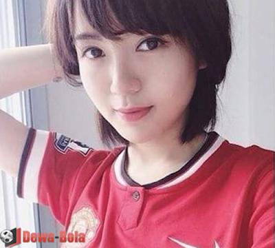 gambar gadis bola MU Asia