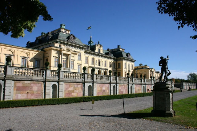 Шведская королева рассказала о привидениях в своем дворце