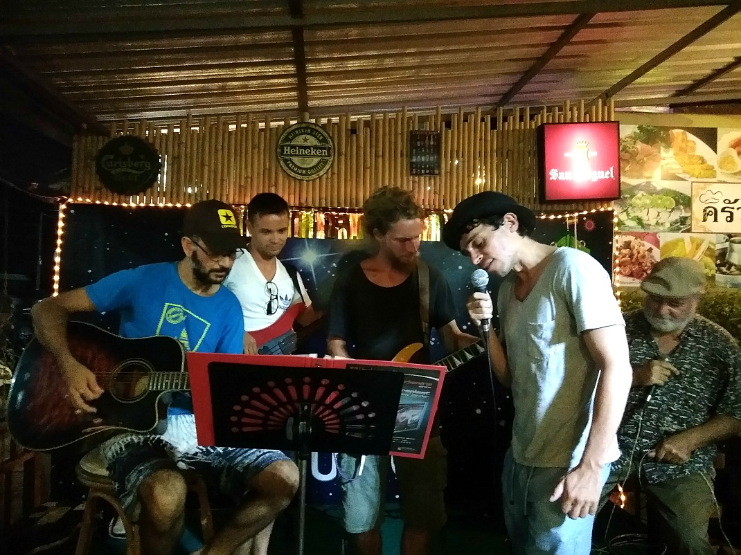 jam night koh samui Boat Bar