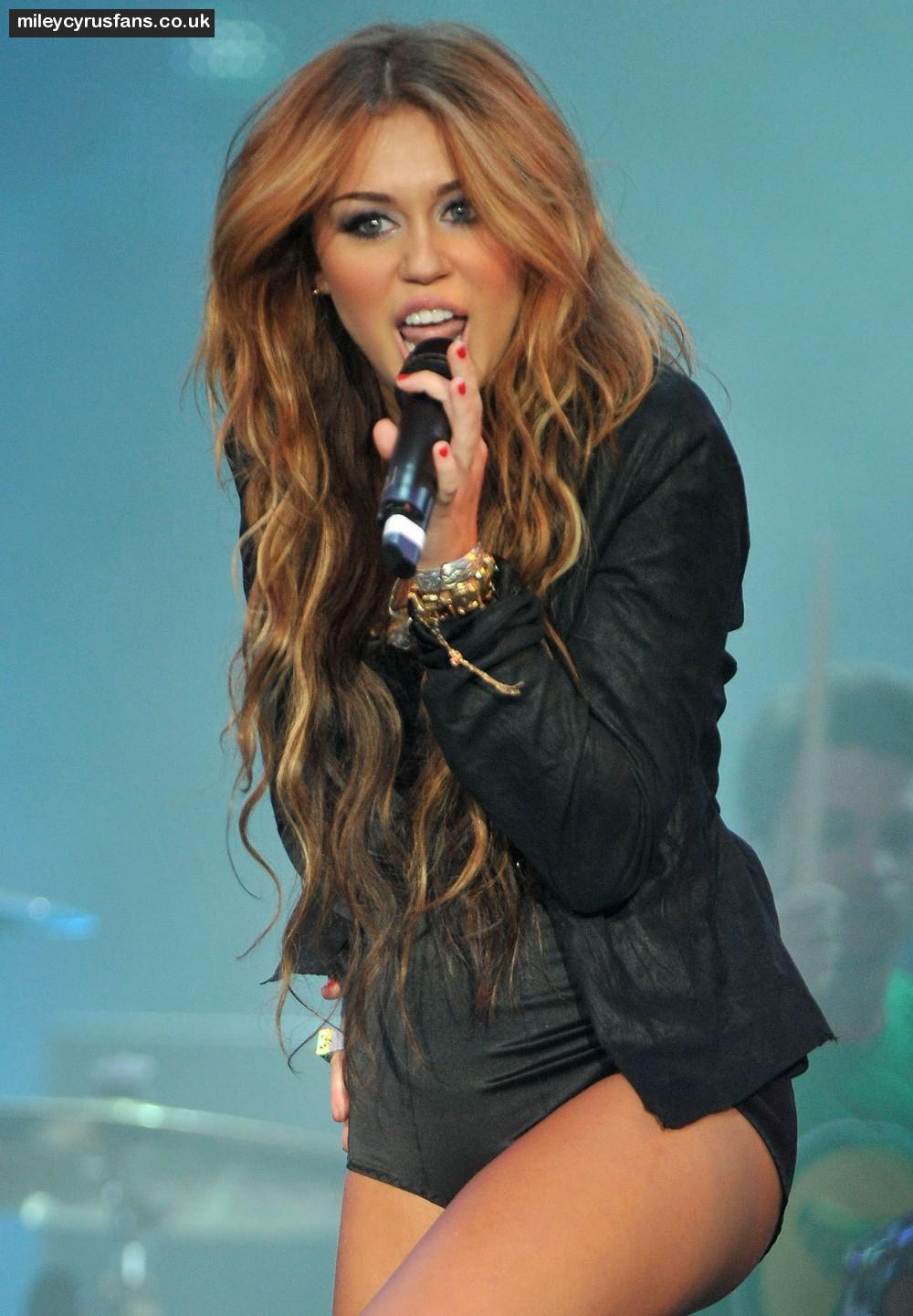 Tylerandkenzie Miley Cyrus Hot-4061