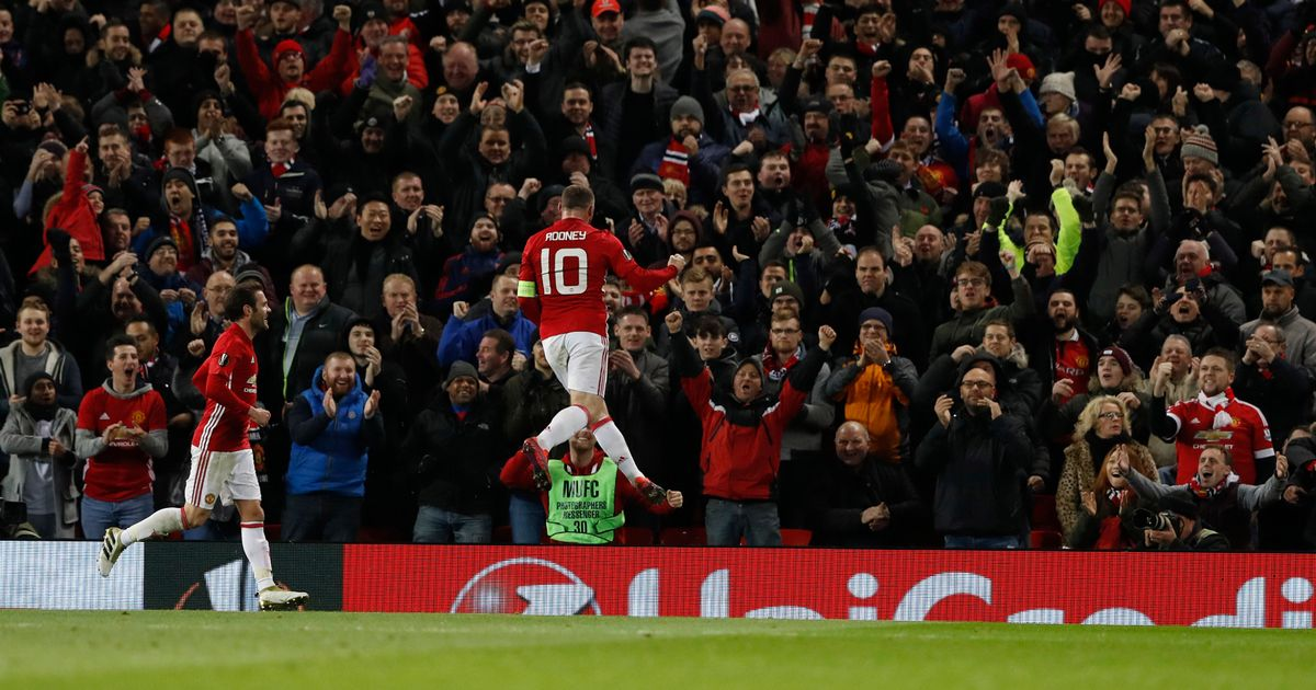 Manchester-Uniteds-Wayne-Rooney-celebrates-scoring-their-first-goal