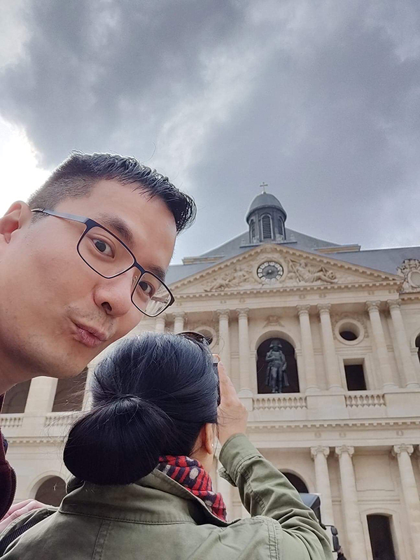 taking photos at Les Invalides