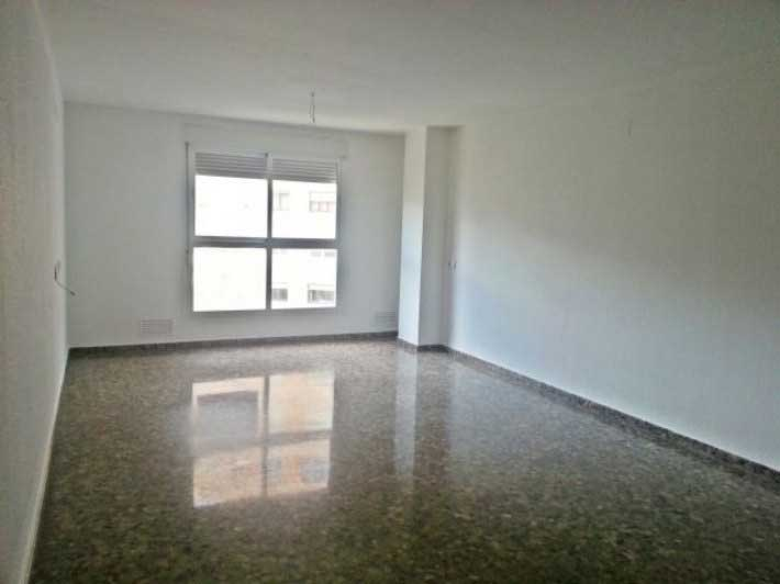 piso en venta calle pintor lopez castellon salon