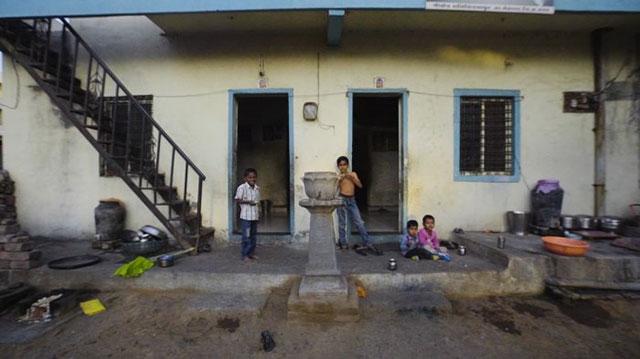 Rumah-Tanpa-Pintu-Shani-Shingnapur