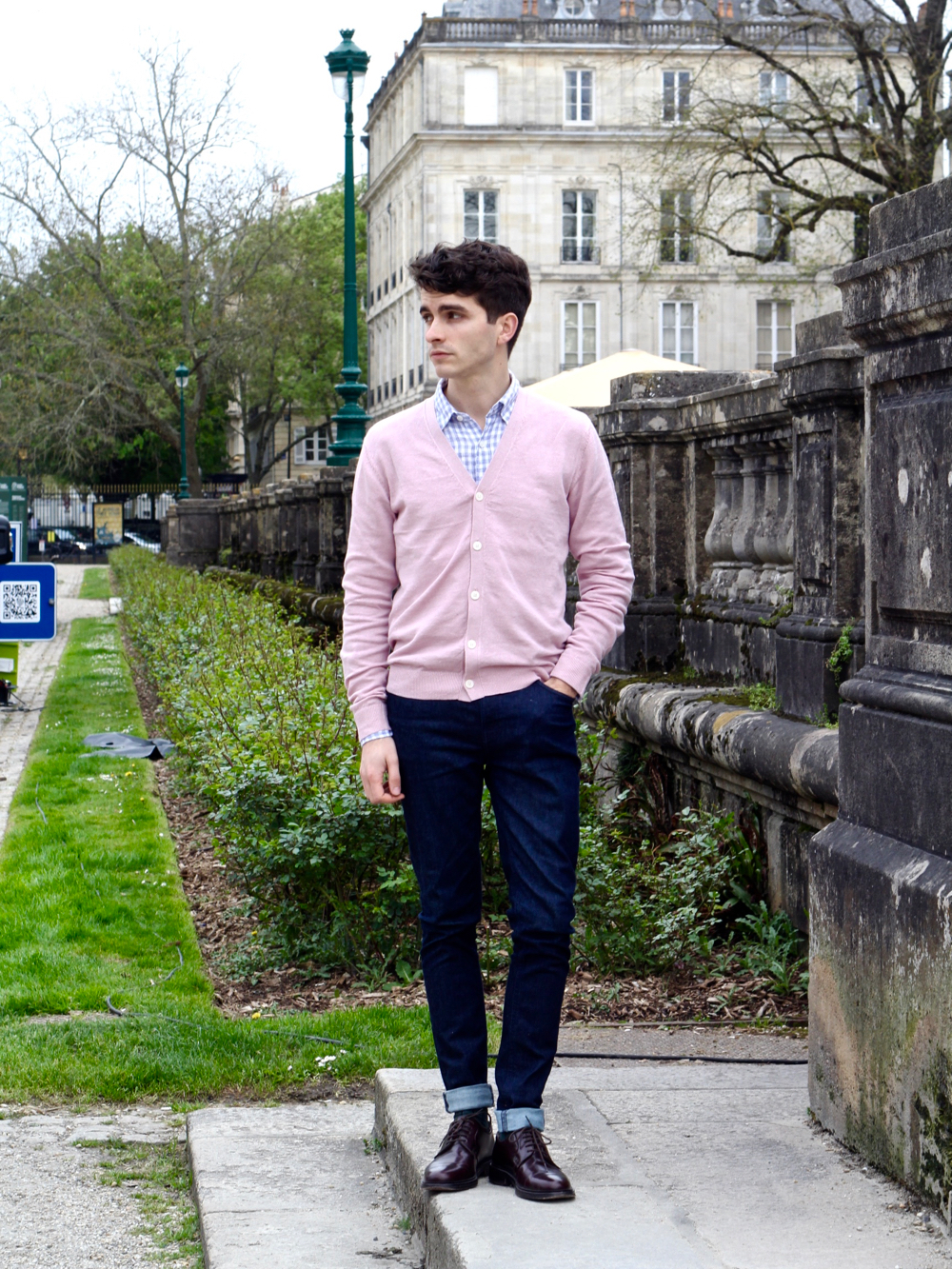 blog-mode-style-homme-paris-bordeaux-uniqlo-lifewear-lin-linen-cardigan-rose-chemise-carreaux-slim-diesel-chauures-balibaris-chaussettes-royalties - 2 (1)