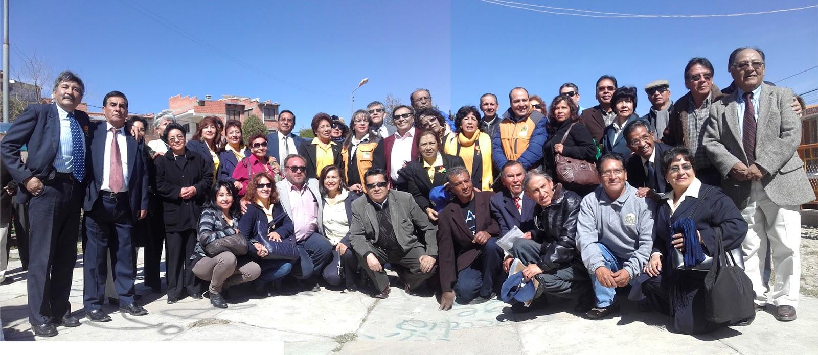 Parte de la directiva y socios de uno de los clubes más antiguos de El Alto