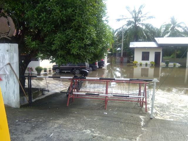 Banjir Paksa Liburkan Ribuan Siswa SD Di Langkat