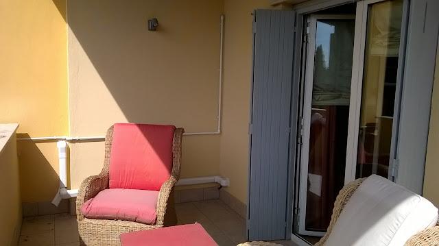 ampio terrazzo della camera da letto padronale della villa a mozzo via mozzi