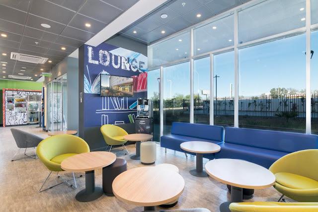 Lounge do Hotel Ibis Budget Calama