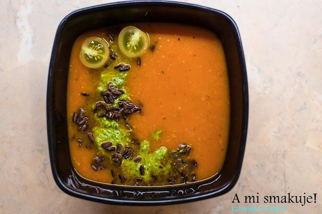 Rozgrzewająca zupa pomidorowa + inna wersja pesto