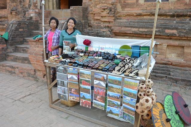 Un euro la carte postale, même au Myanmar