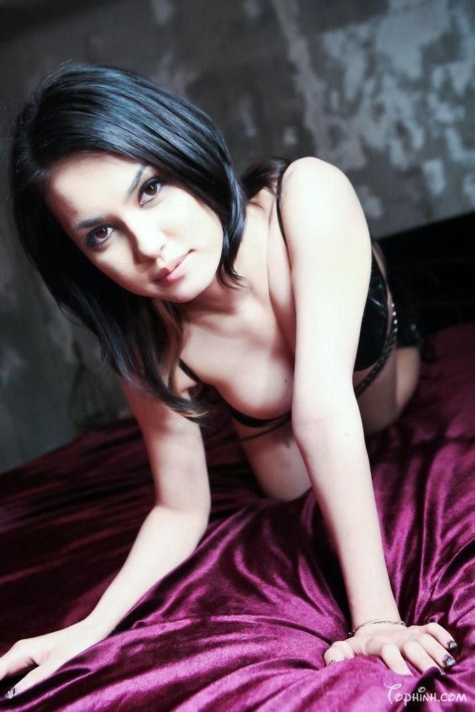 Hình sex cận cảnh lồn Maria Ozwa bị fuck 2
