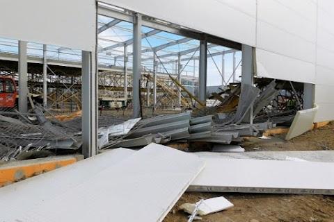 Hatan megsérültek egy munkahelyi balesetben Debrecenben