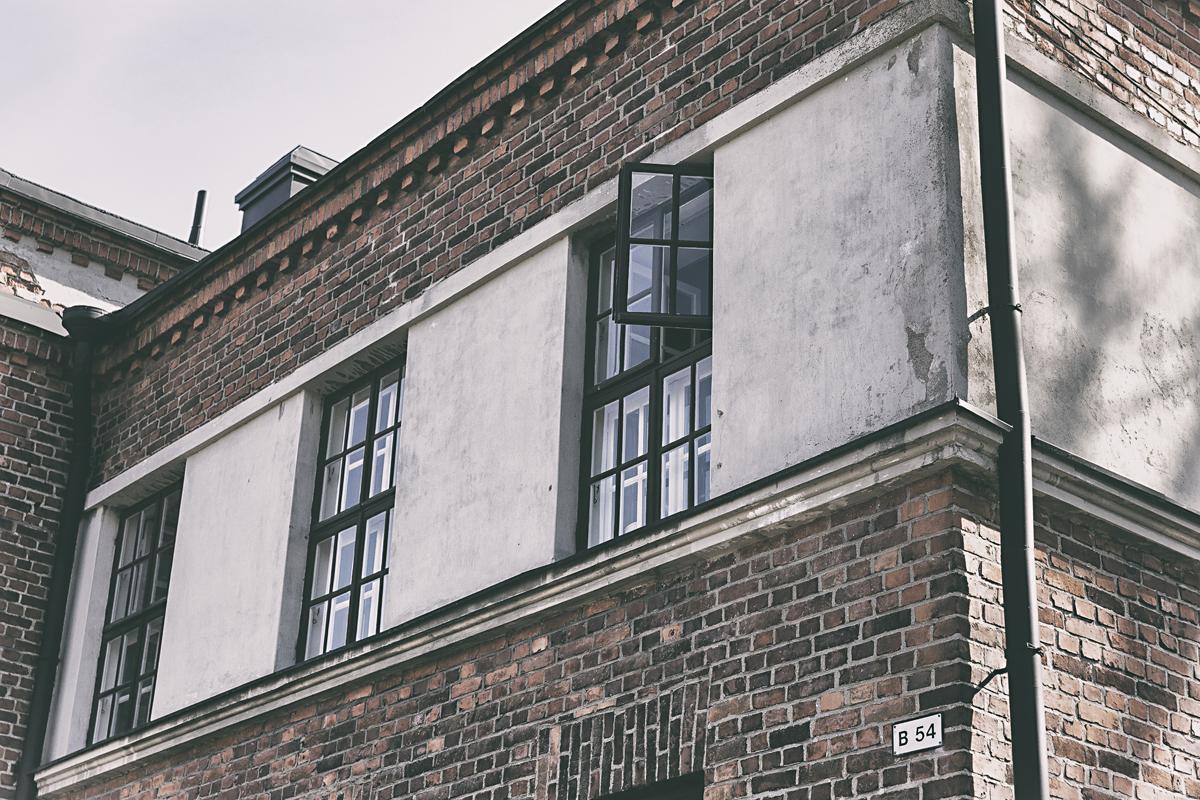 Suomenlinna, Helsinki, Sveaborg, visithelsinki, island, saari, Visualaddict, valokuvaaja, Frida Steiner, photographer, visualaddictfrida, tourism, worthvisiting, window, arkkitehtuuri, ikkuna