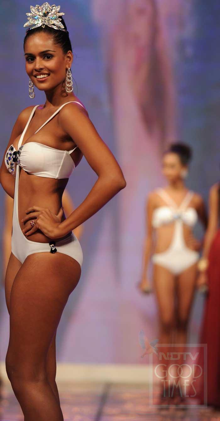 Bikini Nathalia Pinheiro naked (68 foto and video), Pussy, Hot, Twitter, cameltoe 2018