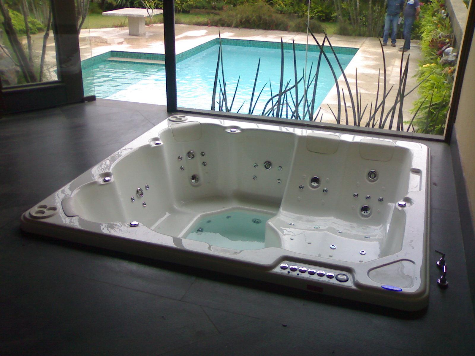 Abaixo imagens da Banheira Spa Playazo do catálogo do fabricante  #388993 1600x1200 Banheiro Com Banheira Projeto