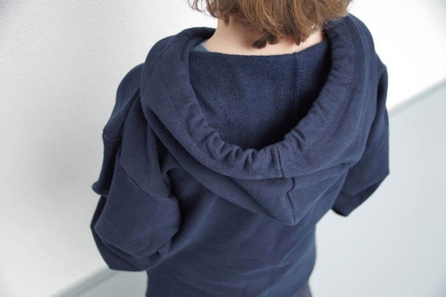 Hooded Ziggy Top (Madeit Patterns) with kangaroo pocket by huisje boompje boefjes