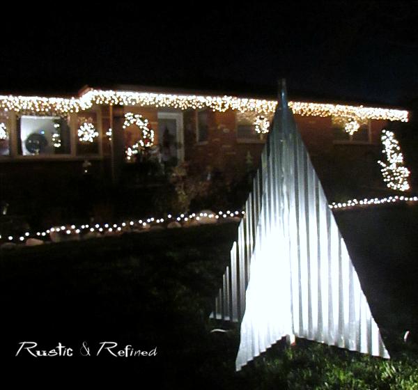 How To Hang Christmas Lights The Easy Way