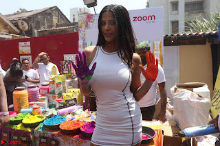 Poonam Pandey at Zoom Holi Celetion (4).JPG