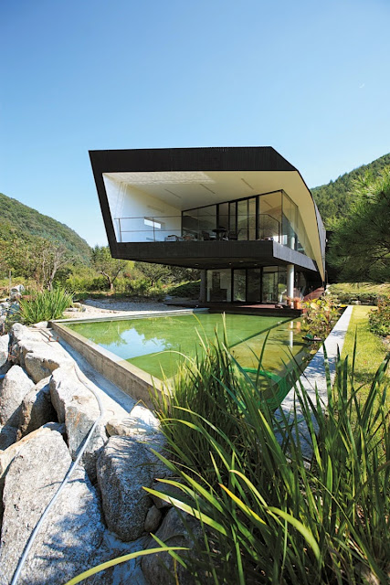 Looks Nice with Green Roof, Villa Topoject