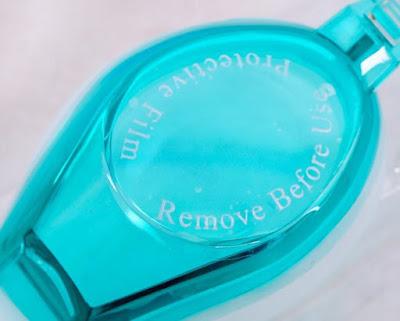 Nhận biết qua tem dán kính bơi