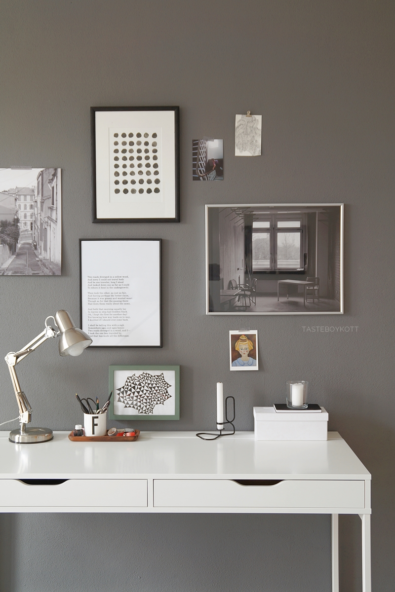 Deko update arbeitsplatz mit bilderwand tasteboykott for Schreibtisch dekorieren diy