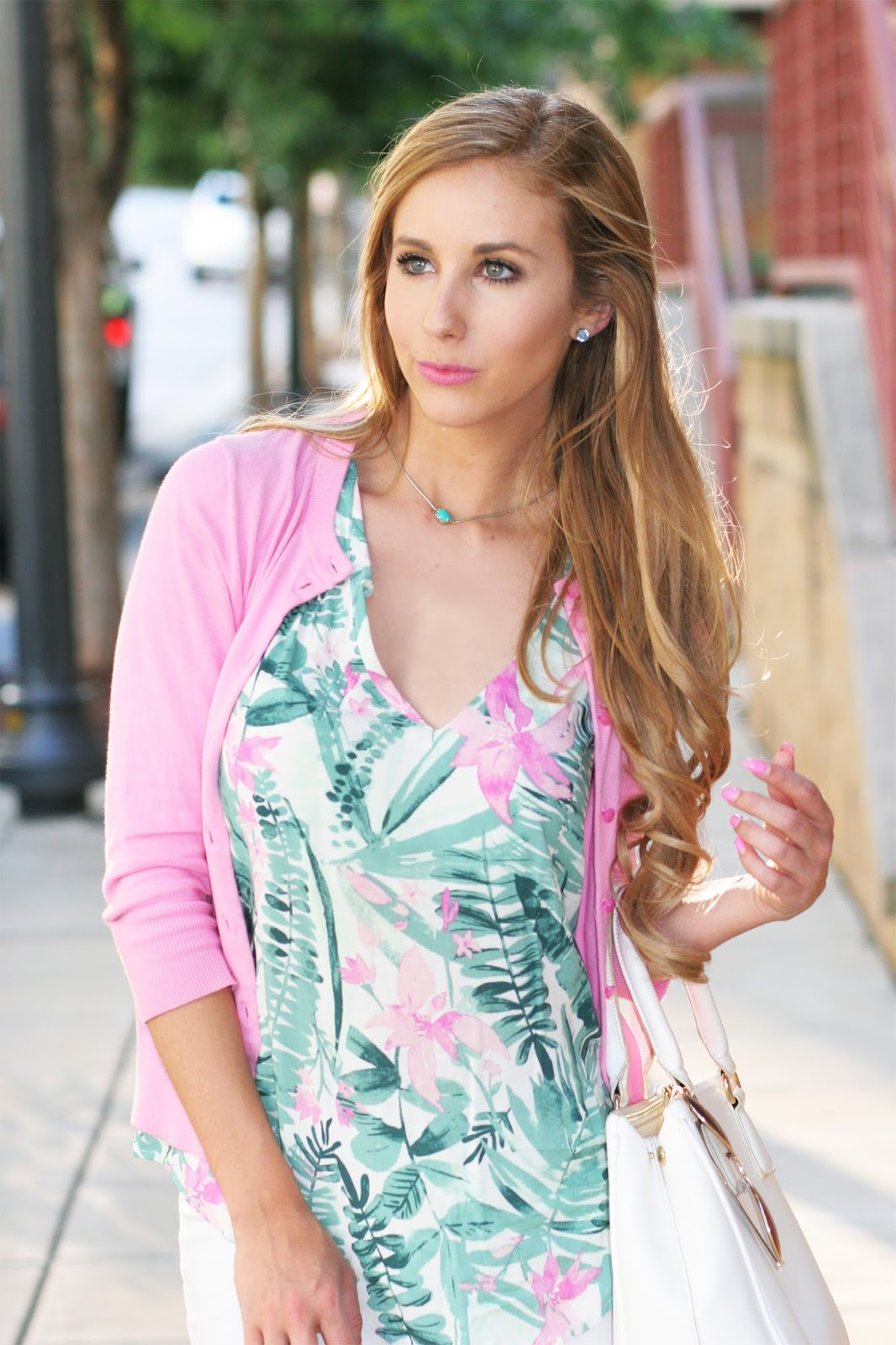How-to-wear-style-clip-in-hair-extensions-diy-fashion-blogger-headshot