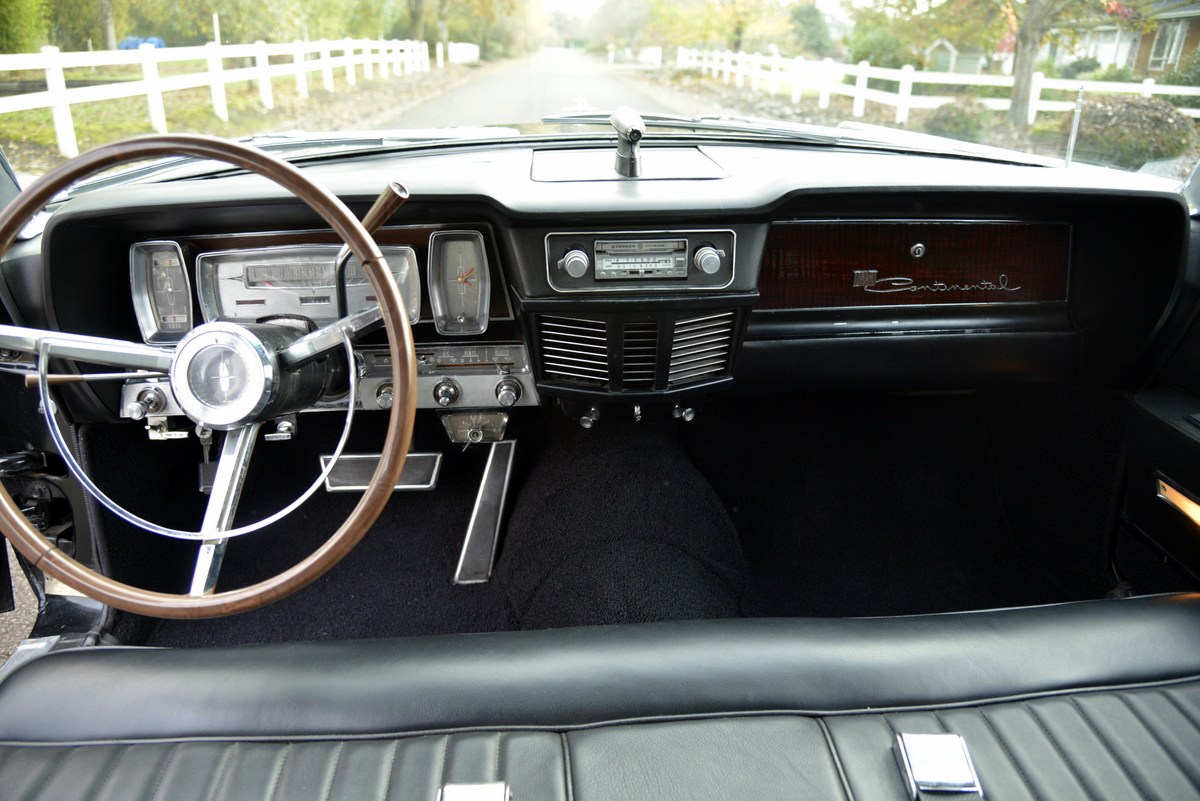1963-LincolnContinental-17.jpg